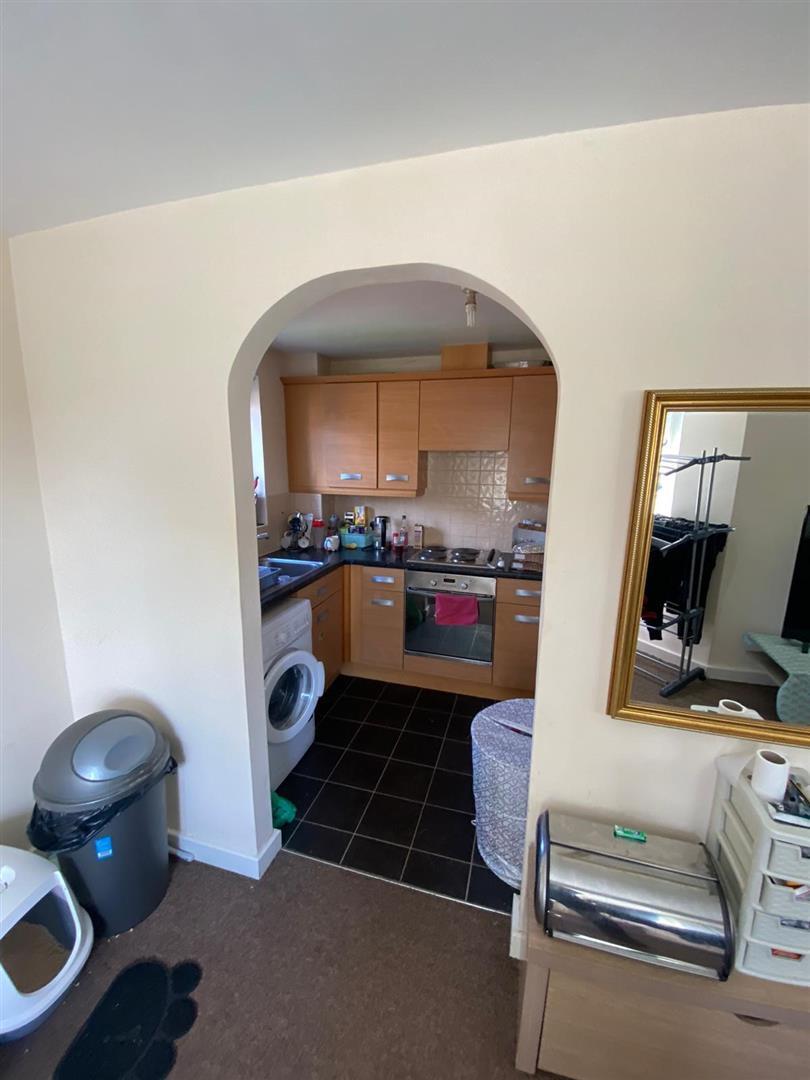 2 Bedroom Block Of Flats For Sale - 10.jpg